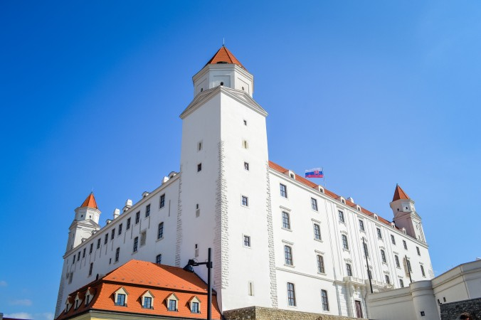Bratislava_castle_up close