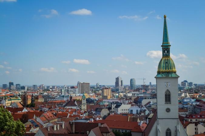 Bratislava_castle_view_city