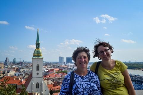 Bratislava_castle_view_mama_sister