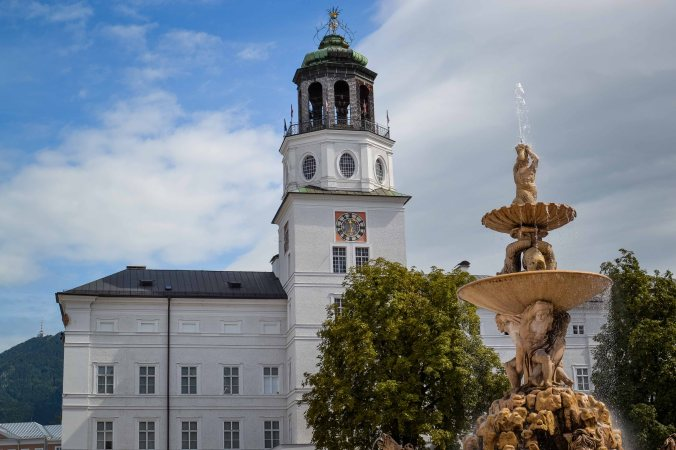 Salzburg_city_sights_residenz_new_