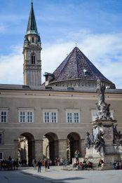 Salzburg_city_sights_residenzplatz