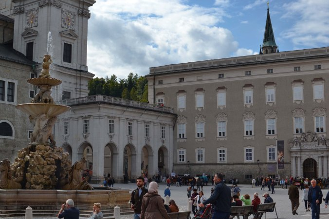 Salzburg_city_sights_residenzplatz_residence_old
