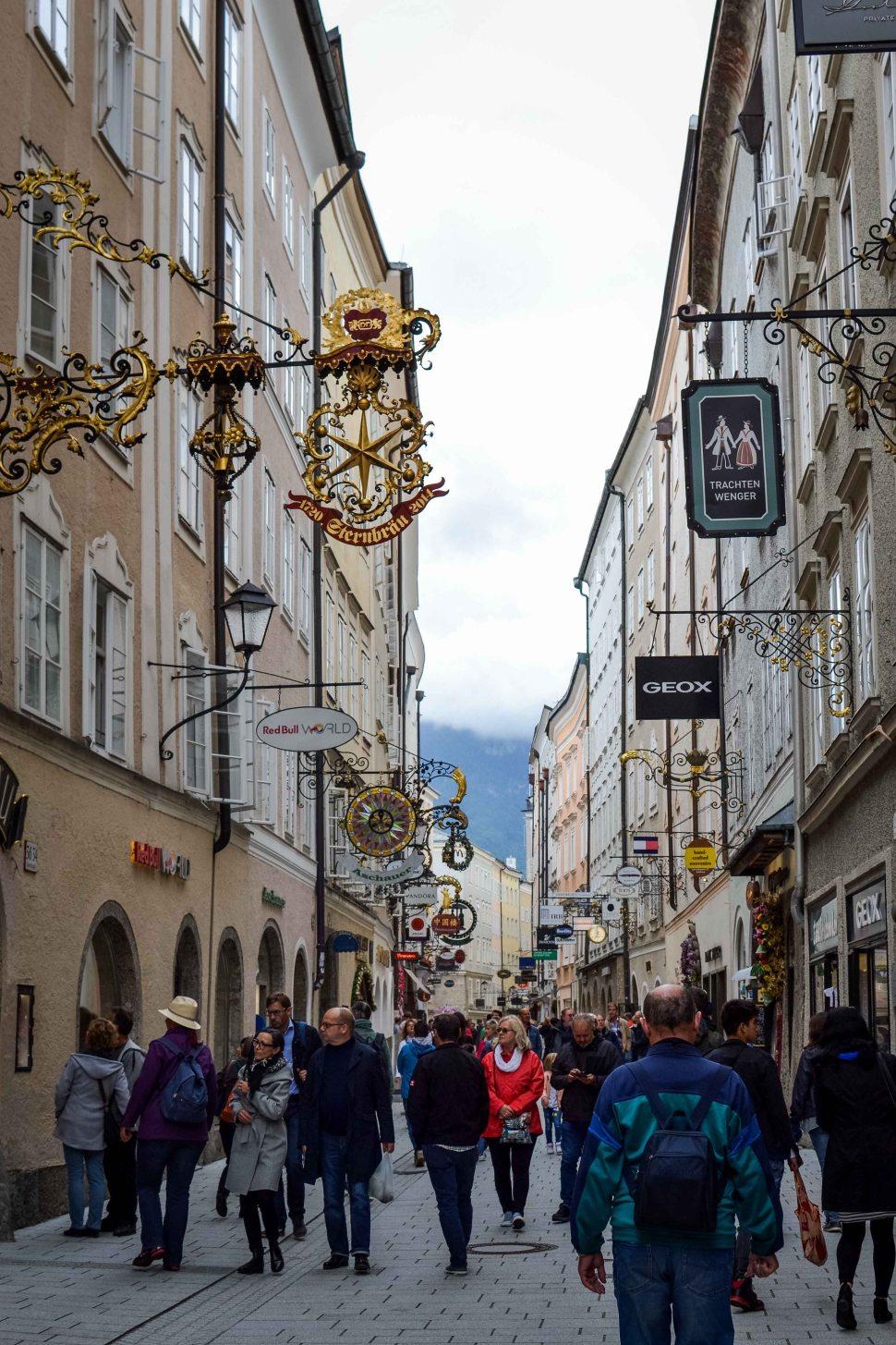 Salzburg_city_streets_people