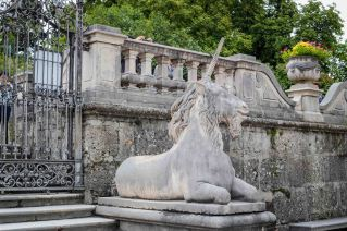 Salzburg_mirabell_garden_horese 2