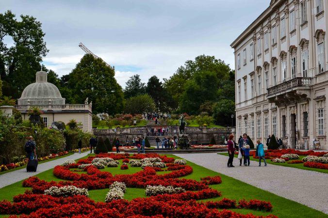 Salzburg_mirabell_garden_roses