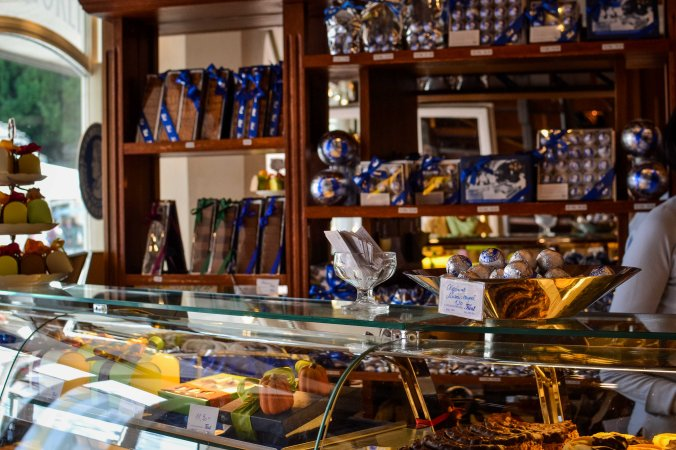 Salzburg_mozart_fürst_mozartkugeln_shop