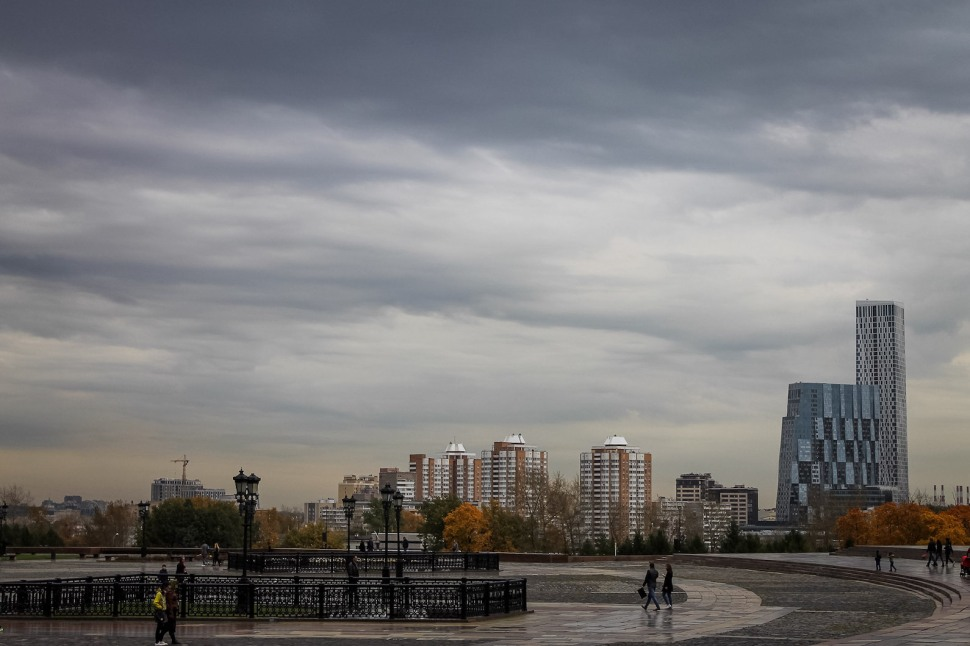 russia_moscow_parks_park-pobedy_square_buildings