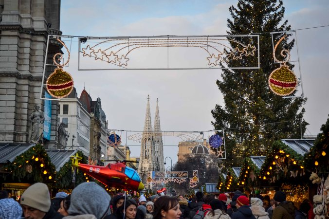 vienna_christmas-market_rathausplatz_decoration_1