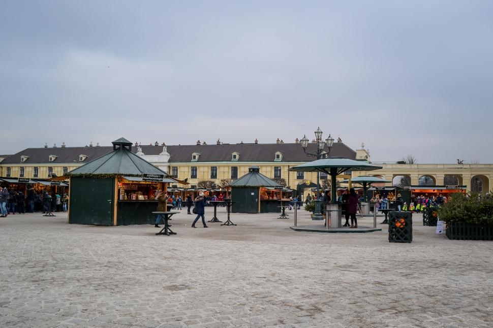 vienna_christmas-markets_schönbrunn_court