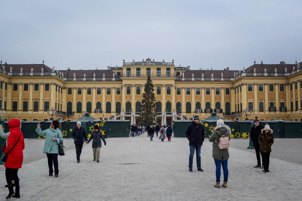 vienna_christmas-markets_schönbrunn_palace