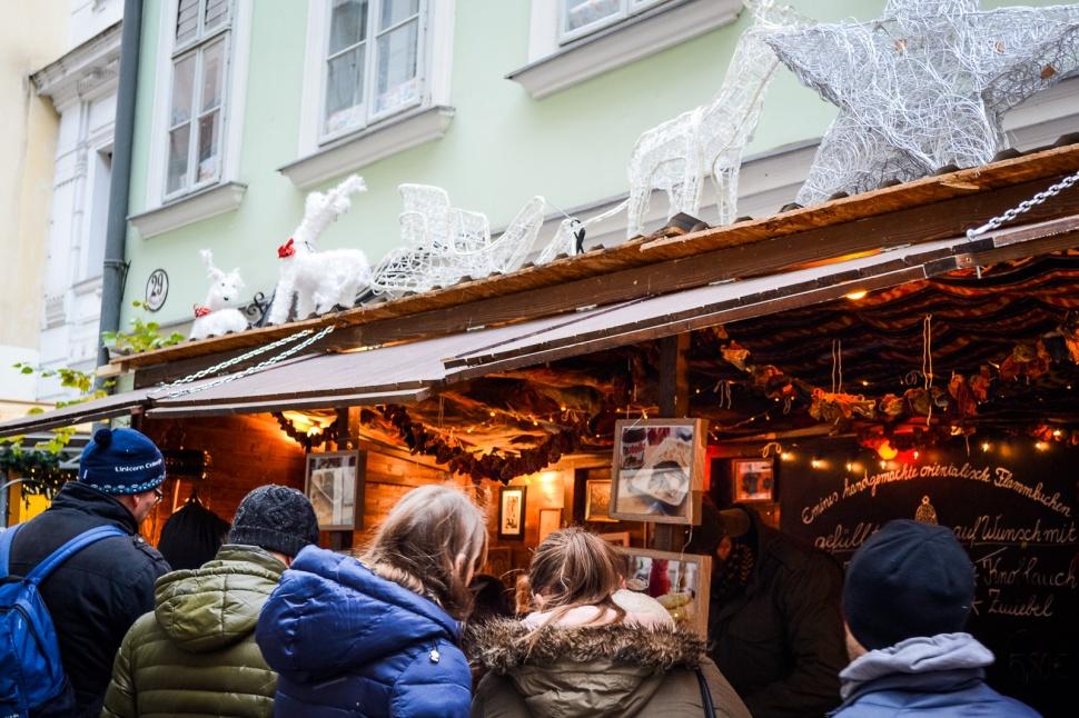 vienna_christmas-markets_spittelberg_stall_deco