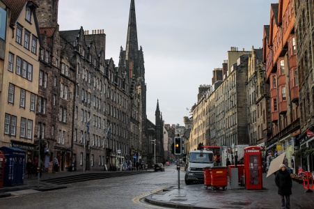 uk_scotland_edinburgh_city-street