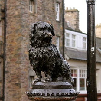 uk_scotland_edinburgh_greyfriars-bobby_statue