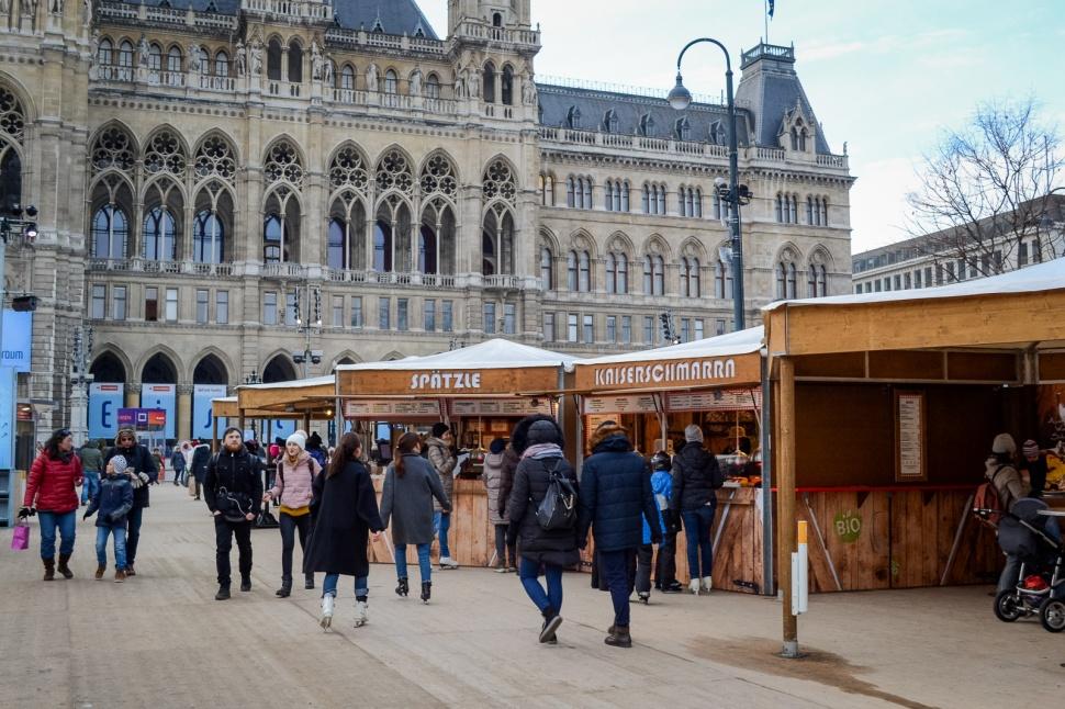 northernsunlight_winter_vienna_eistraum_rathausplatz_food