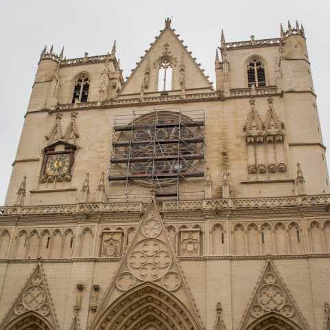 northernsunlight_travel_lyon_old-town_cathedral_front