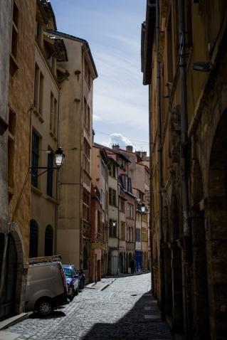 northernsunlight_travel_lyon_old-town_lane_2