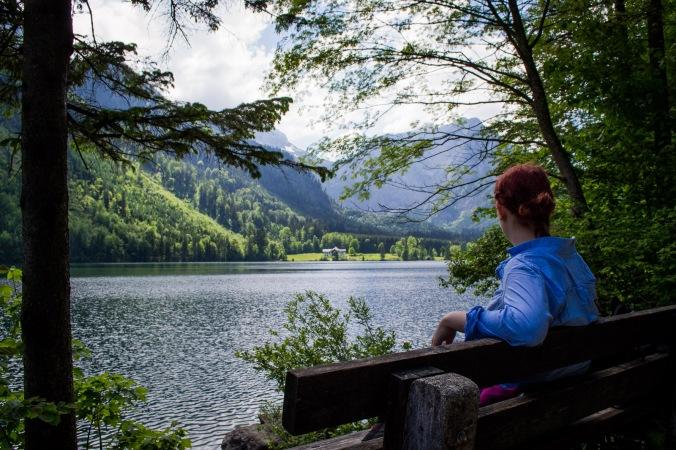 northernsunlight-lakes-hiking-langbathseen-bench-sitting